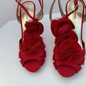 AUDREY BROOKE RED FLORAL COCKTAIL SHOES SIZE 9